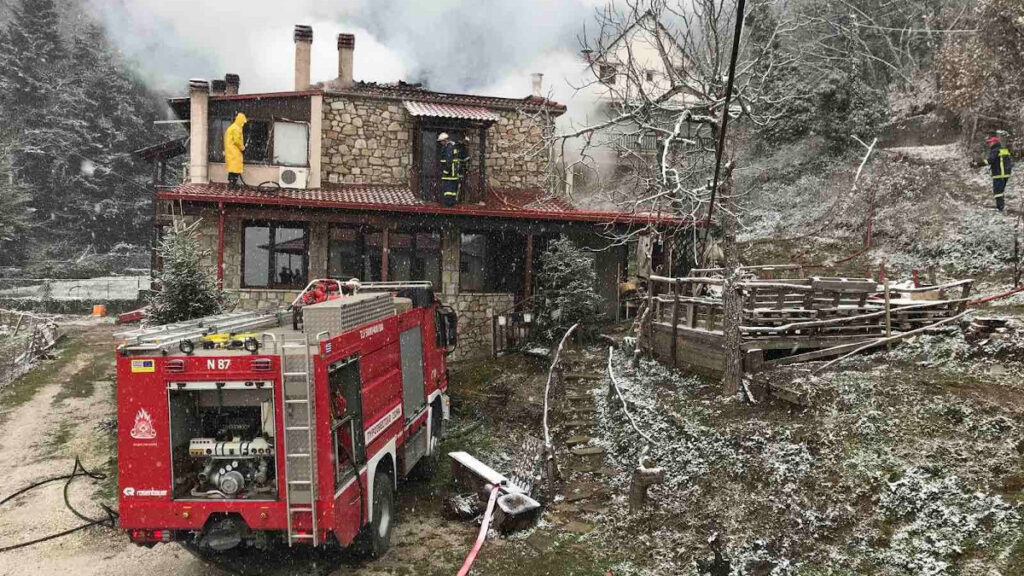 Πυρκαγιά σε σπίτι από καμινάδα τζακιού