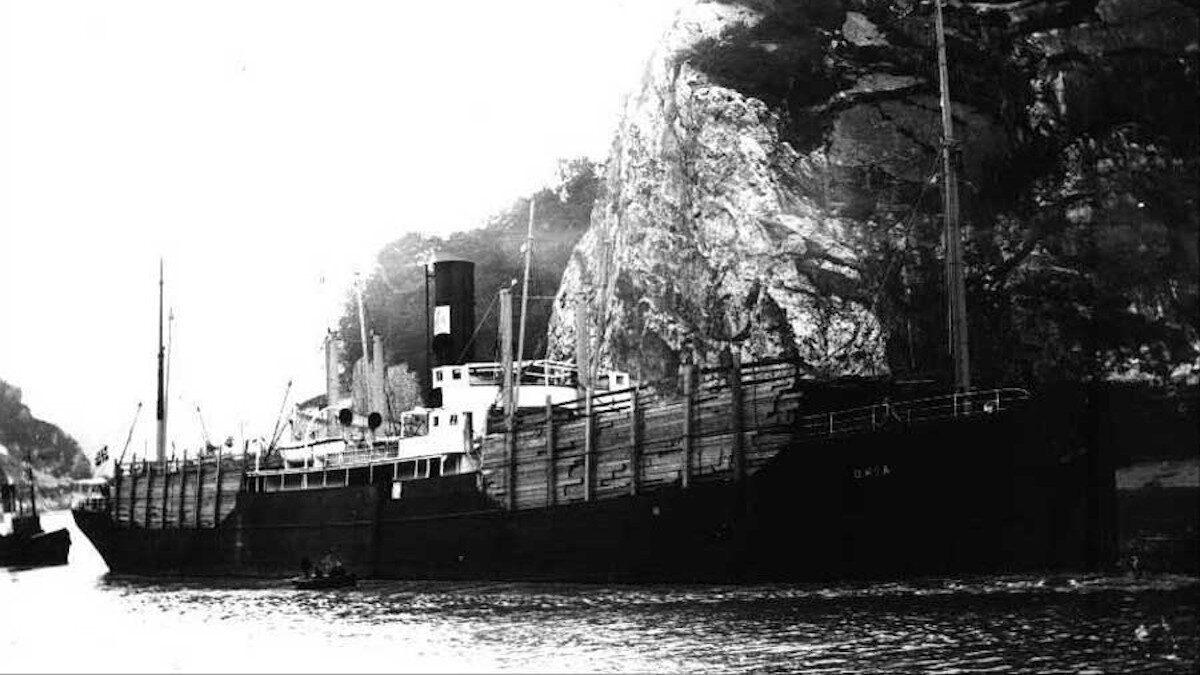 Το βρετανικής κατασκευής φορτηγό πλοίο SS ORIA που βυθίστηκε στον Πάτροκλο (Σούνιο) στις 14 Φλεβάρη 1944 παρασύροντας στο βυθό 4.095 Ιταλούς στρατιώτες αιχμαλώτους των Ναζί