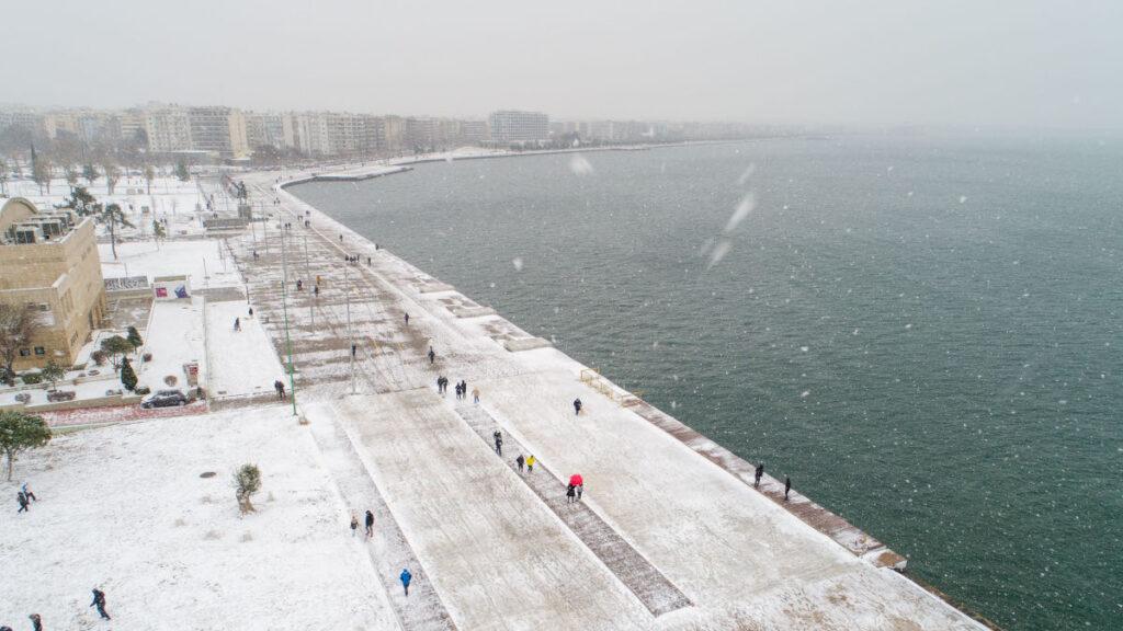 """Κακοκαιρία """"Μήδεια"""": Χιόνια στη Θεσσαλονίκη"""