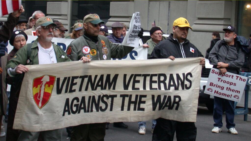 Αντιπολεμική διαδήλωση εναντίων του πολέμου του Ιράκ. Συμμετέχουν Βετεράνοι του Βιετνάμ / 2005