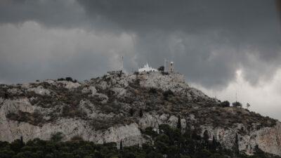Βροχερός καιρός στην Αθήνα