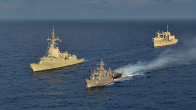 "SNMG2 στη Μαύρη Θάλασσα Νοέμβριος 2020 - Κανονιοφόρος του Βουλγαρικού Πολεμικού Ναυτικού ""BGS SMELI"" (P11) - Φρεγάτα του Ρουμάνικου Ναυτικού Regina Maria (F222)"