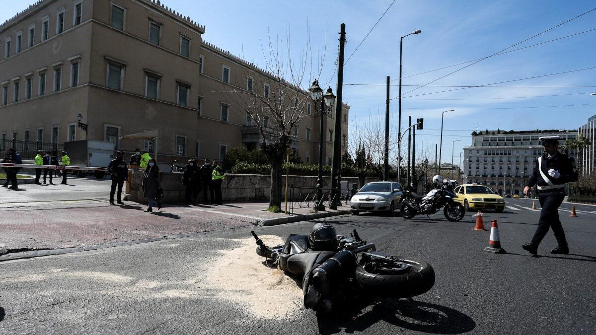 Τροχαίο Ατύχημα στη Βουλή με υπηρεσιακό αυτοκίνητο της Ντ. Μπακογιάννη