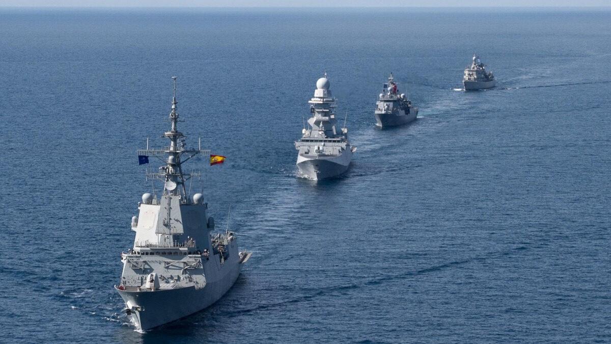 Dynamic Manta 21 με την Νατοϊκή Αρμάδα SNMG2 - Στο τέλος του σχηματισμού η Τουρκική κι Ελληνική Φρεγάτα