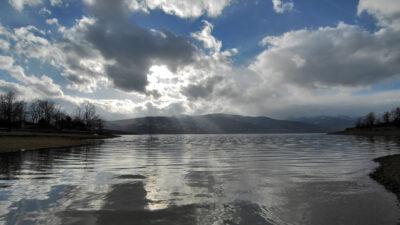 Συννεφιασμένος ουρανός στη Λίμνη Πλαστήρα, Καρδίτσα