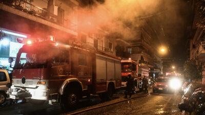 Επέμβαση πυροσβεστών σε πυρκαγιά στο Παγκράτι - 20-2-2021