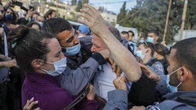 Επίθεση αστυνομικού σε Ισραηλινό νομοθέτη