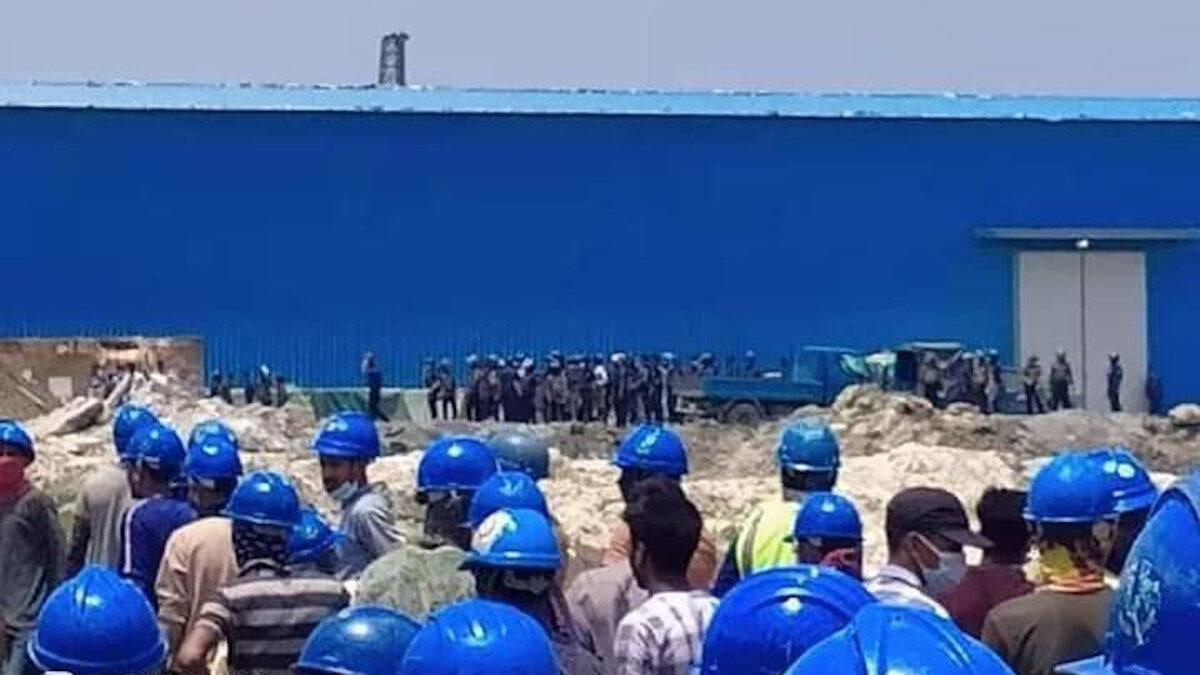 επίθεση αστυνομίας προς εργάτες που διαδηλώνουν στο ΜΠαγκλαντές