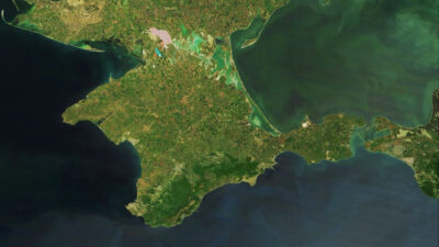 Ρωσία - Χερσόνησος της Κριμαίας - Διακρίνεται στα δεξιά ο πορθμός του Κέρτς που ενώνει Θάλασσα του Αζόφ με τη Μαύρη Θάλασσα