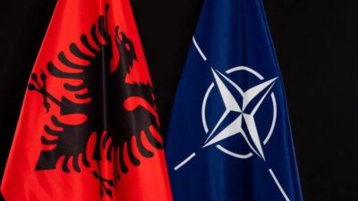 Η Αλβανία στο ΝΑΤΟ - Σημαίες