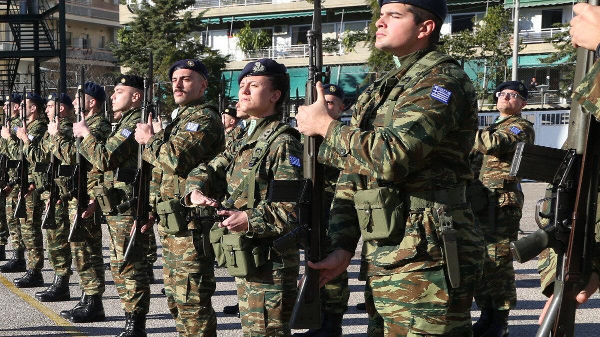 Στρατιωτικοί και φαντάροι της Ανώτατης Στρατιωτικής Διοίκησης Υποστήριξης Στρατού (ΑΣΔΥΣ), στο Γουδί, Αττική