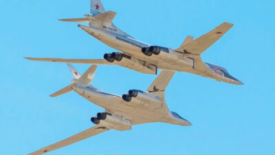 Δύο Ρωσικά Στρατηγικά Βομβαρδιστικά TU-160