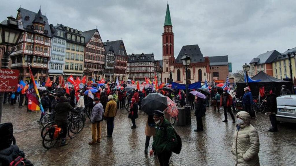 Πορεία Ειρήνης στη Γερμανία το τριήμερο του ΠΑΣΧΑ των Καθολικών - 2021 / Πηγή: ΚΚΕ