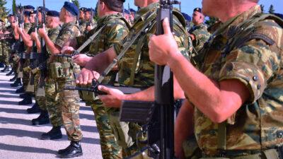 Στρατιώτες και υπαξιωματικοί στην Κω (80 ΑΔΤΕ)