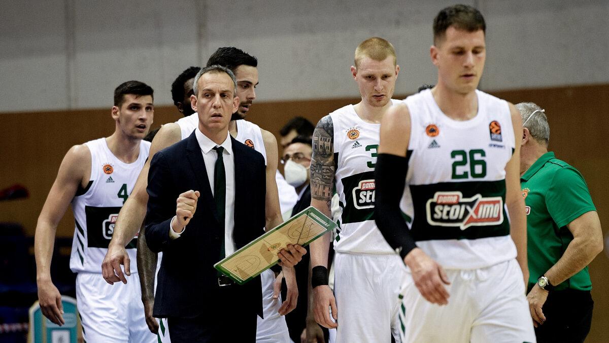 Η ομάδα μπάσκετ του Παναθηναϊκού στο ματς με την ΤΣΣΚΑ Μόσχας