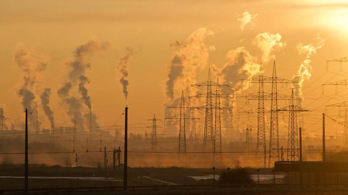 Βιομηχανική μόλυνση περιβάλλοντος