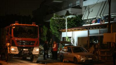 Πυροσβεστική - Όχημα - Πυρκαγιά σε δυόροφη μονοκατοικία στην Ν.Ερυθραία, με έναν νεκρό και δυο τραυματίες