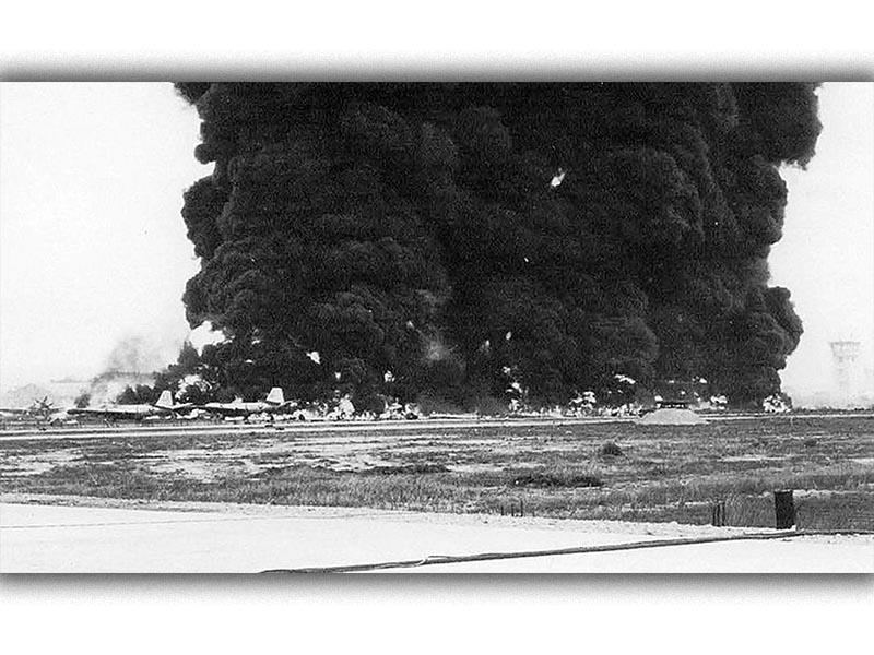 Πόλεμος του Βιετνάμ - βόμβες στο αεροδρόμιο Μπιεν Χόα, 1965
