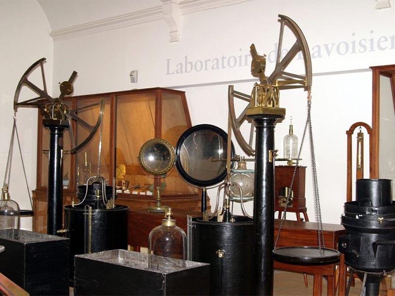 Επιστήμες - Χημεία - Αντουάν Λοράν Λαβουαζιέ