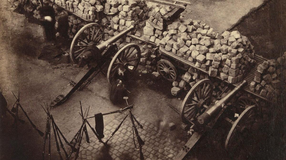 Κανόνια Reffye 85 χιλιοστών (3.35inch) σε οδόφραγμα Κομμουνάρων στο Παρίσι - 1871