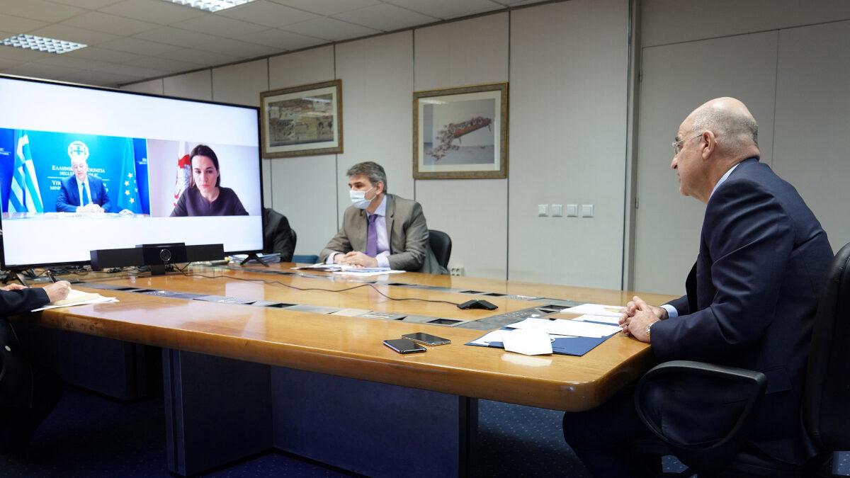 Σβετλάνα Τιχανόφσκαγια (εκλεκτή του ΝΑΤΟ και της ΕΕ στη Λευκορωσία) σε τηλεδιάσκεψη με τον Ν. Δένδια, Υπουργό Εξωτερικών της ΝΔ - Μάης 2021