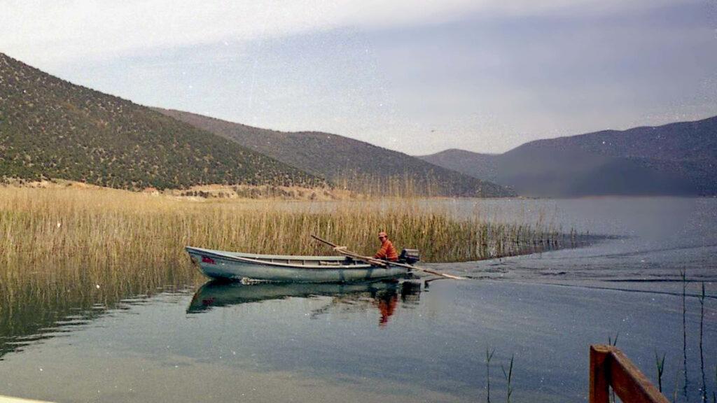 """Βάρκα """"Πλάβα"""" στη Μικρή Πρέσπα (Φλώρινα 2004) - Περιβάλλον"""