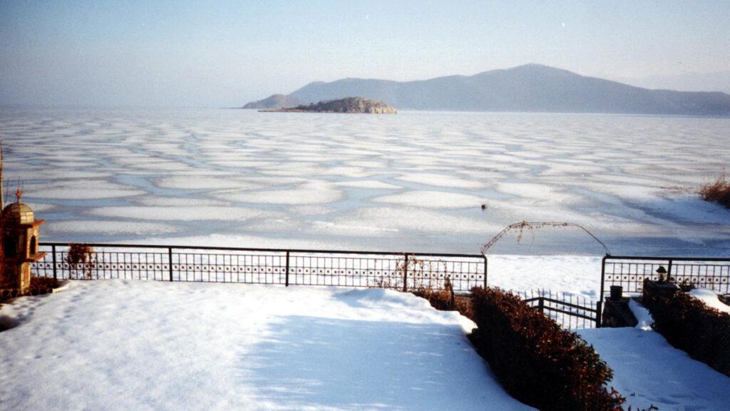 Η Μικρή Πρέσπα (Φλώρινα) παγωμένη / Φλεβάρης 2002 - Περιβάλλον