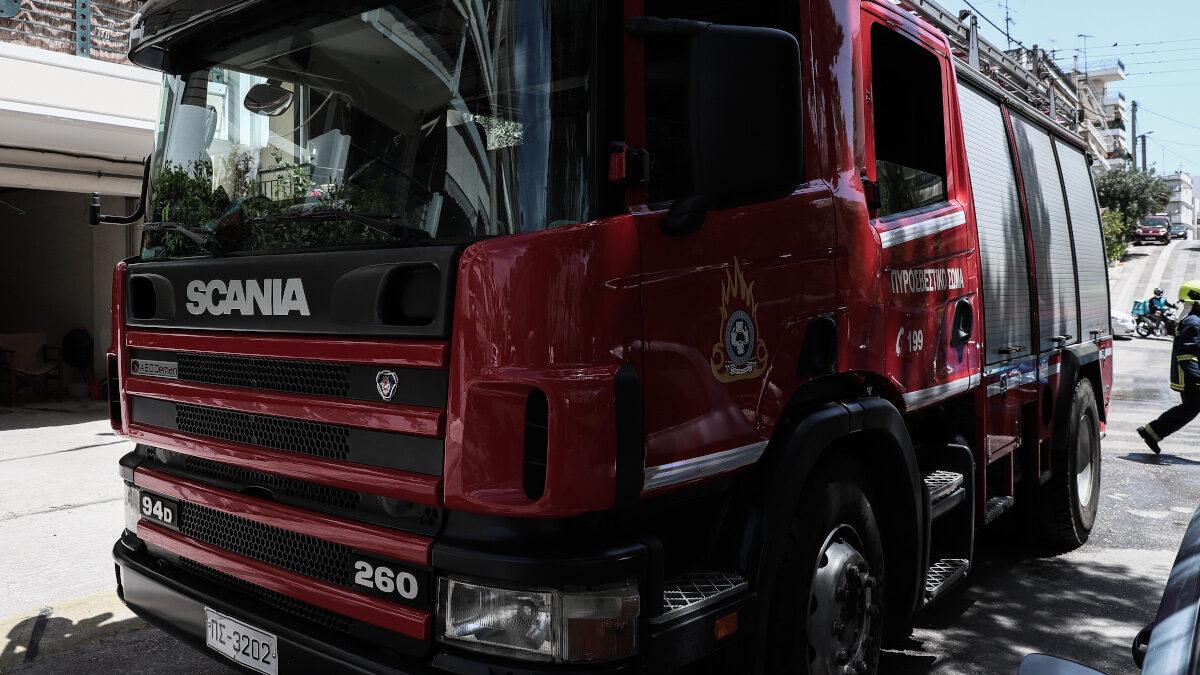 Πυρκαγιά σε διαμέρισμα στο Χαϊδάρι - Επιχείρησαν 12 Πυροσβέστες με 4 Οχήματα - Μάης 2021