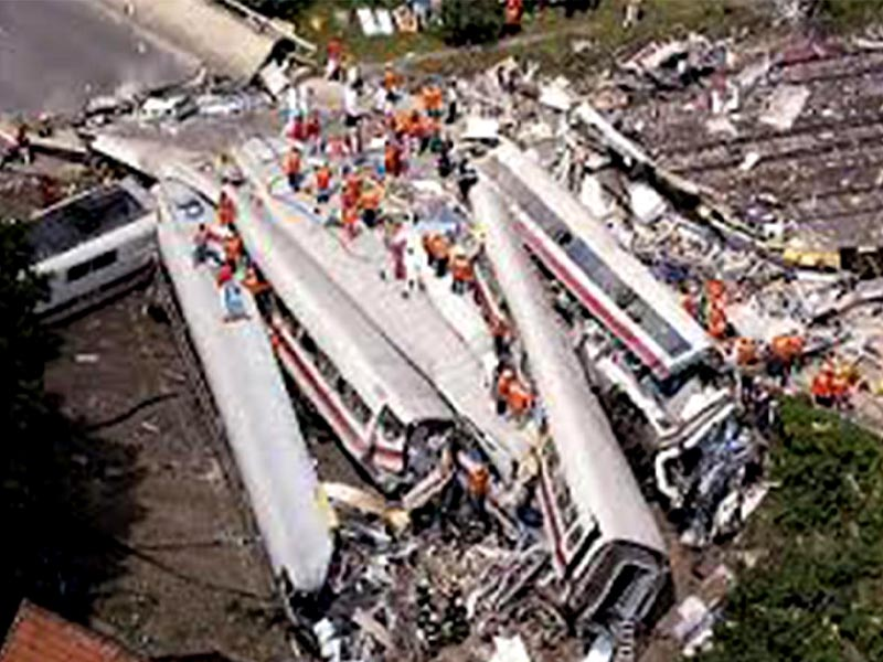 Γερμανία - Κάτω Σαξωνία - σιδηροδρομικό δυστύχημα, 1998