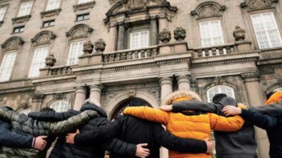 Διαμαρτυρία Σύριων προσφύγων έξω από το κοινοβούλιο της Δανίας