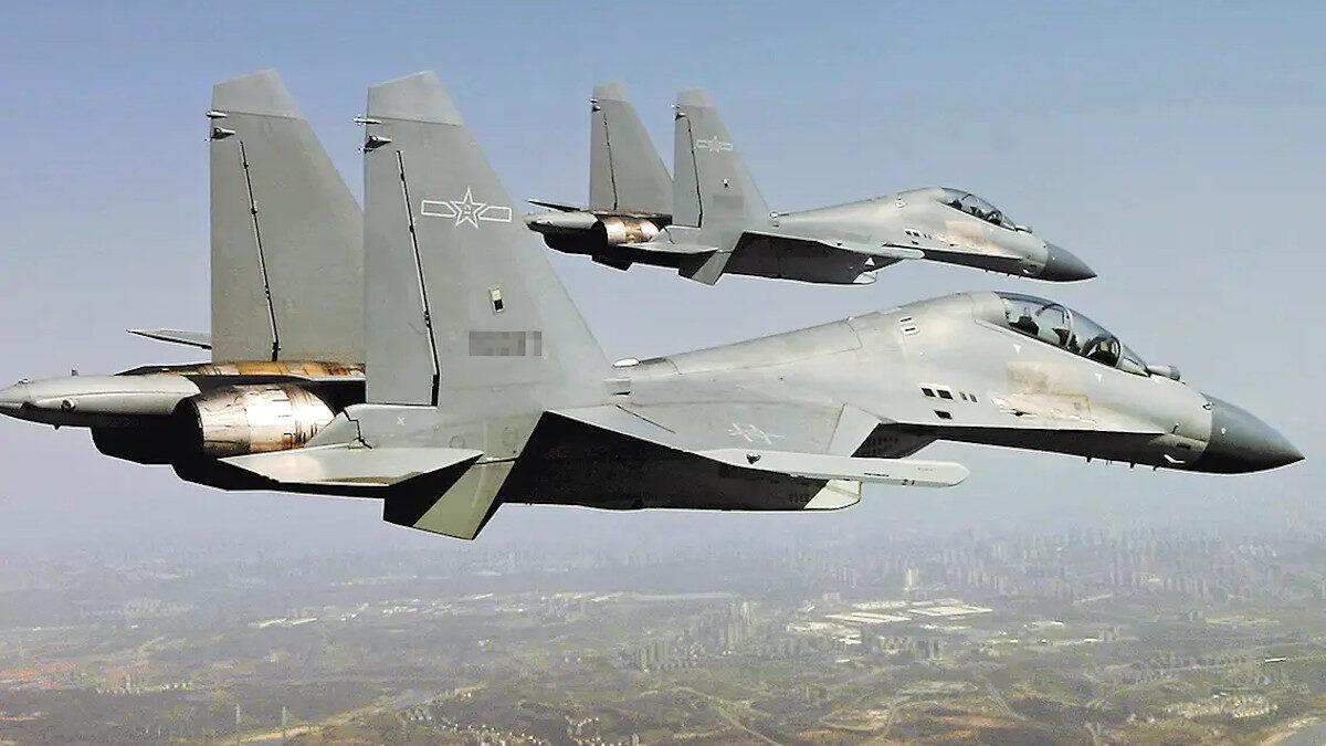 Βομβαρδιστικά πολλαπλών ρόλων J-16 της Πολεμικής Αεροπορίας της Κίνας
