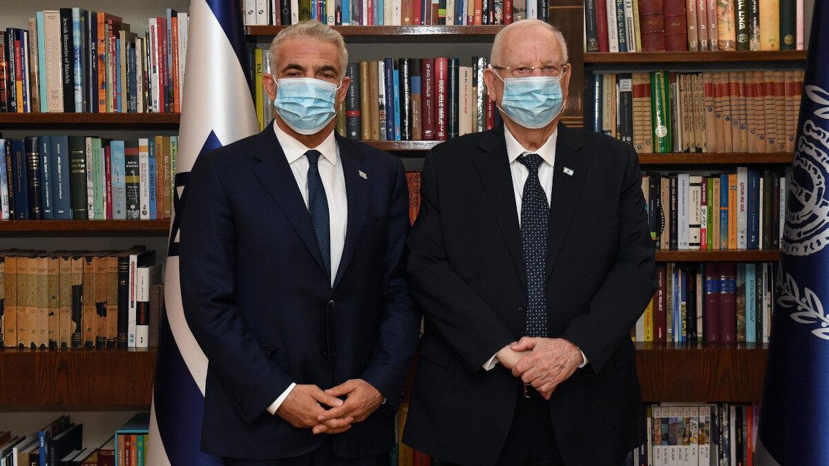 Ο Γιαΐρ Λαπίντ με τον Ισραηλινό πρόεδρο Ρέουβεν Ρίβλιν - Μάης 2021