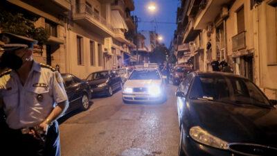 Επέμβαση της αστυνομίας στα Πετράλωνα για τη σύλληψη βιαστή