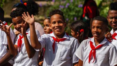 Μαθητές στην Κούβα