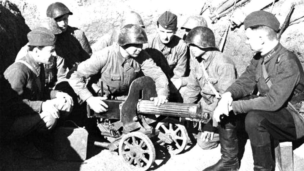 Κόκκινος Στρατός - Στρατιωτικές Επιτροπές