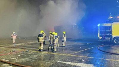 Έκρηξη σε φορτηγό προκάλεσε μεγάλη φωτιά στο Ντουμπάι
