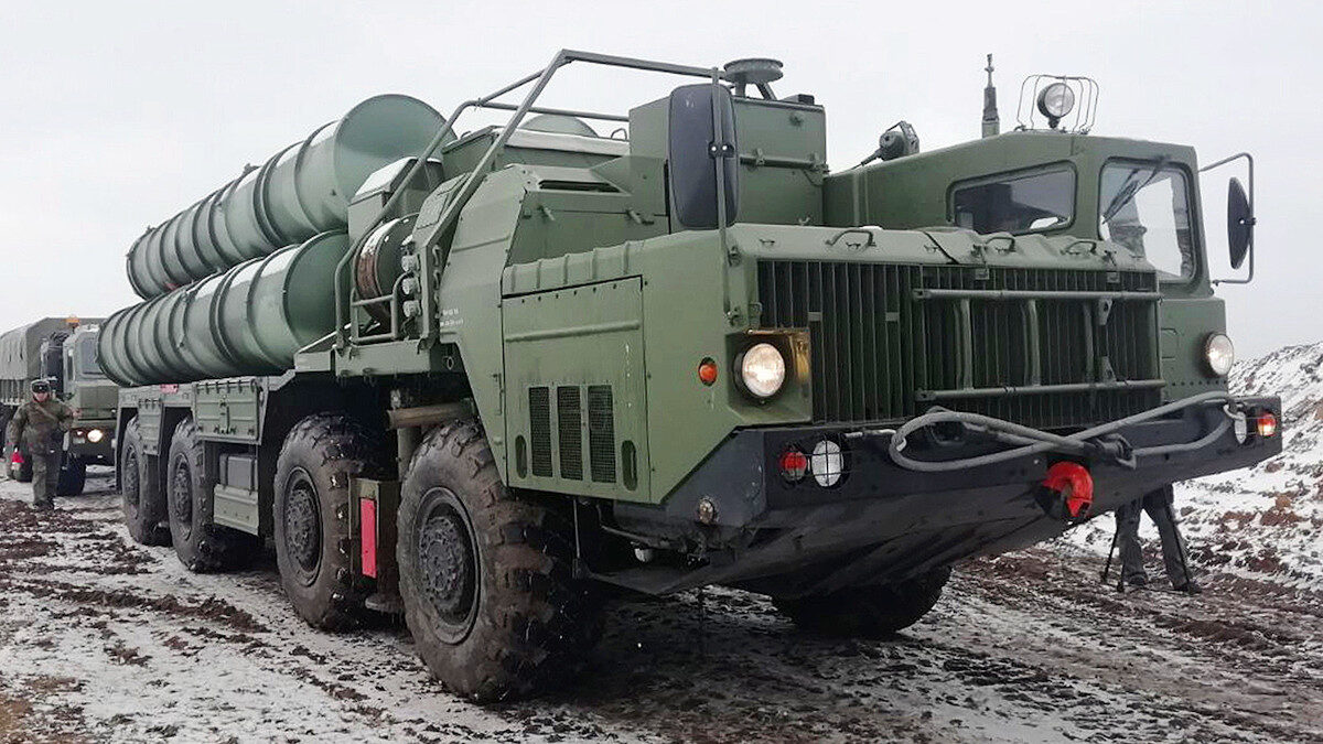 Το Αντιαεροπορικό - Αντιπυραυλικό σύστημα S-400 TRIUMPH της Ρωσικής πολεμικής βιομηχανίας