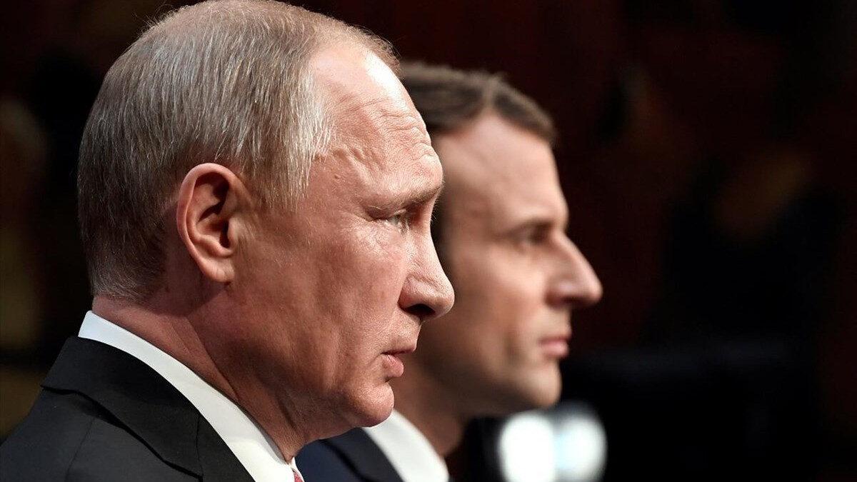 Οι Πρόεδροι της Ρωσίας και Γαλλίας Β. Πούτιν και Μ. Μακρόν