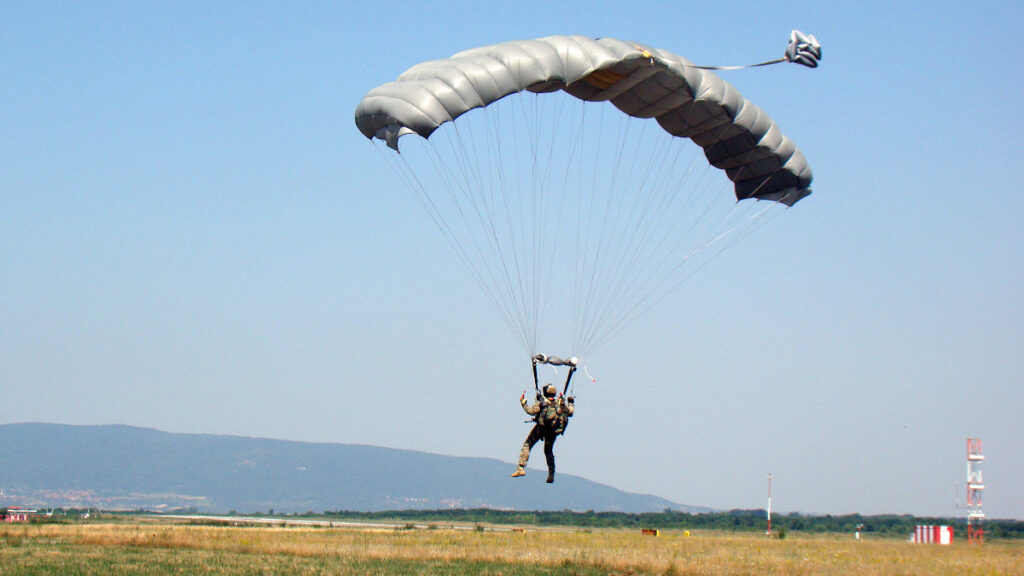 Άσκηση HAWK-21 στη Νις της Σερβίας με αλεξιπτωτιστές από Ελλάδα, Κύπρο και Σερβία