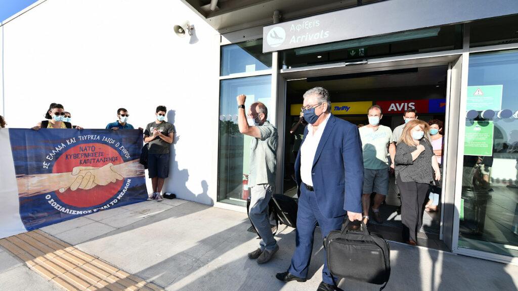Άφιξη του Δ. Κουτσούμπα στο αεροδρόμιο Μυτιλήνης
