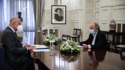 Συνάντηση του Υπουργού Εξωτερικών Ν. Δένδια με τον Γ. Μαρίνο, μέλος του ΠΓ της ΚΕ του ΚΚΕ