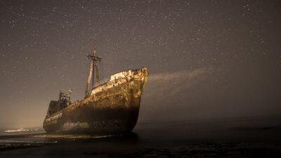 Νυχτερινή λήψη - Ναυάγιο φορτηγού πλοίου στο Γύθειο, Λακωνία