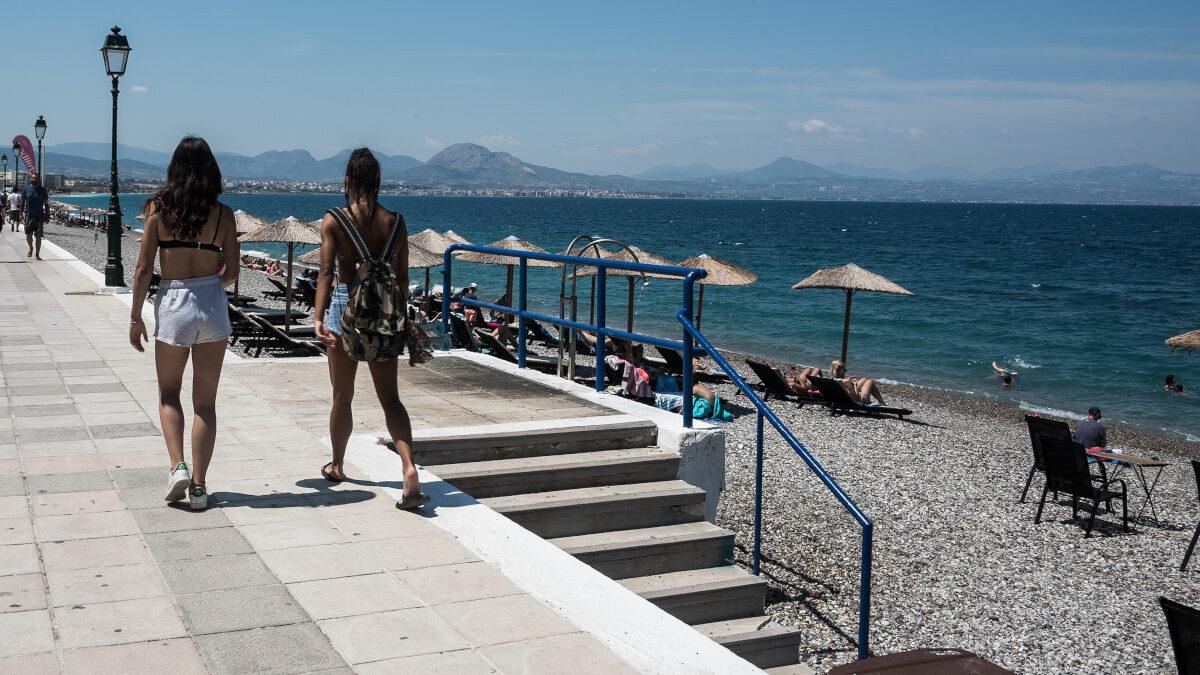 Κορινθία - Παραλία του Λουτρακίου