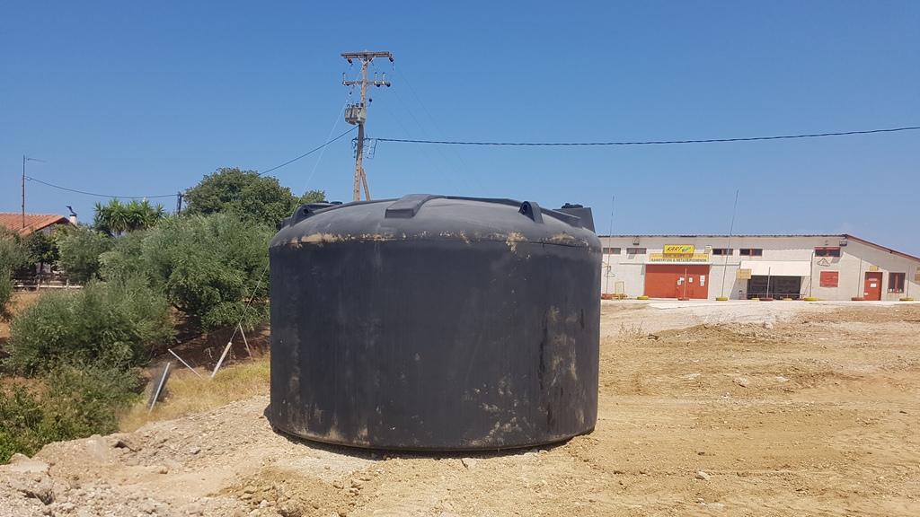Η Πολιτική Προστασία του Δήμου Πατρέων τοποθέτησε δύο δεξαμενές πυρόσβεσης