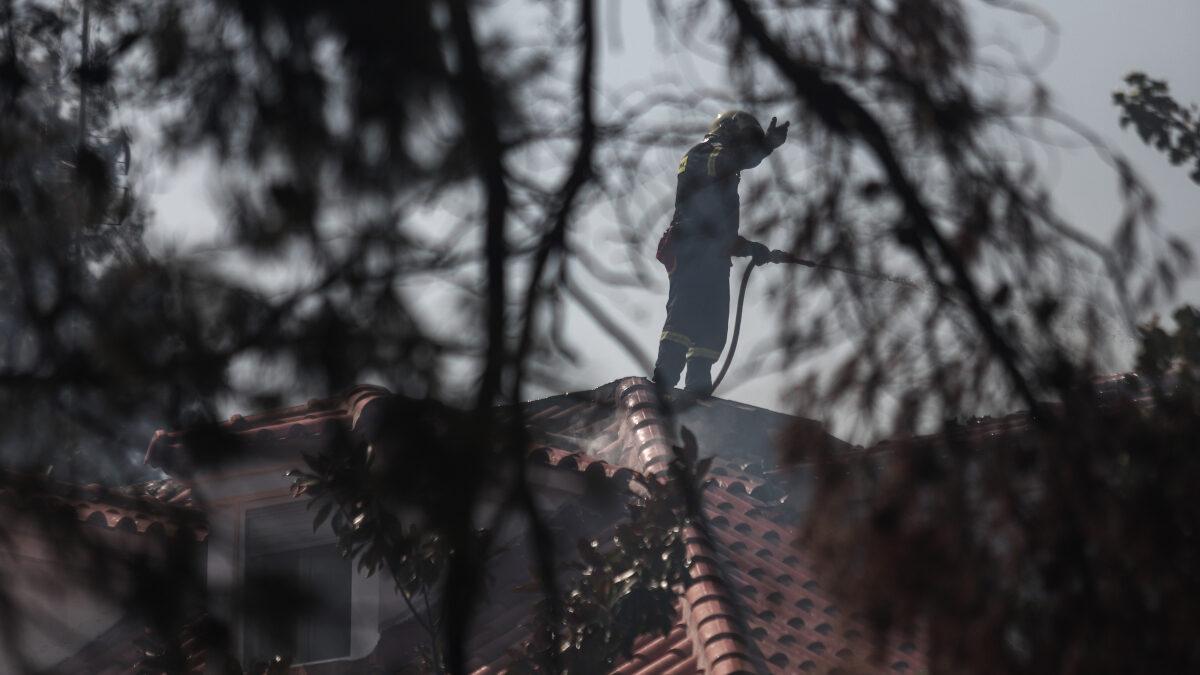 Πυρκαγιά στην Σταμάτα Αττικής, Τρίτη 27 Ιουλίου 2021.