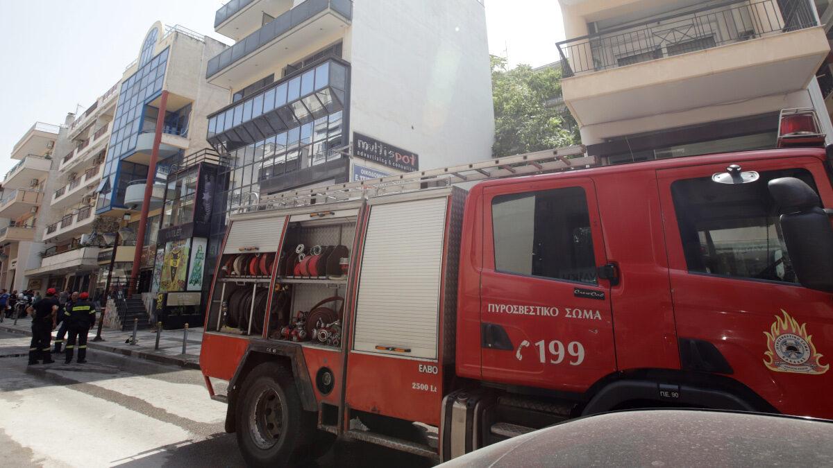 Πυροσβεστική - Θεσσαλονίκη - Πυρκαγιά σε διαμέρισμα στην Καλαμαριά Θεσσαλονίκης