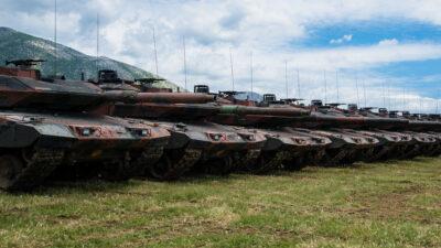 Άσκηση «ΚΕΝΤΑΥΡΟΣ 21» στο Πετροχώρι Ξάνθης / Στιγμιότυπο με παραταγμένα άρματα M1 Abrams / Μάιος 2021