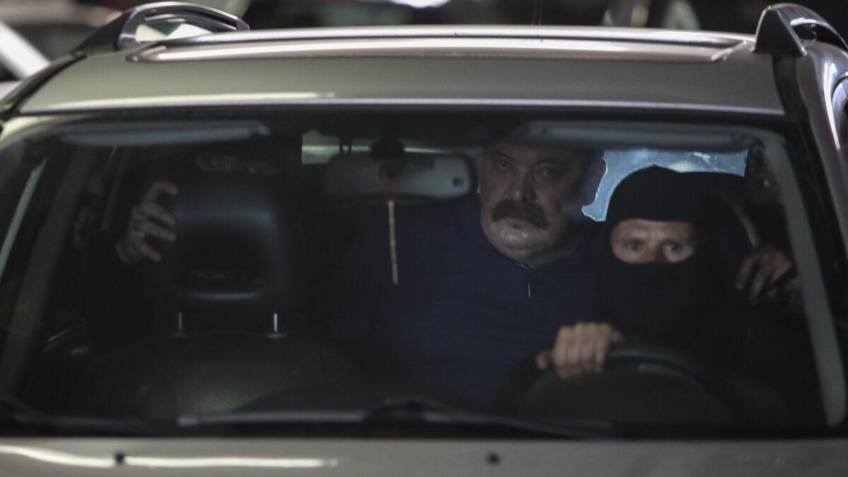 Στον Εισαγγελέα Εφετών για την εκτέλεση της ποινής του, οδηγήθηκε ο καταδικασθείς για διεύθυνση εγκληματικής οργάνωσης Χρήστος Παππάς, ο οποίος διέφευγε εδώ και οκτώ μήνες από τις αρχές, Παρασκευή 2 Ιουλίου 2021.