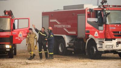 μεγάλυ πυρκαγιά στην Βαρυμπόμπη