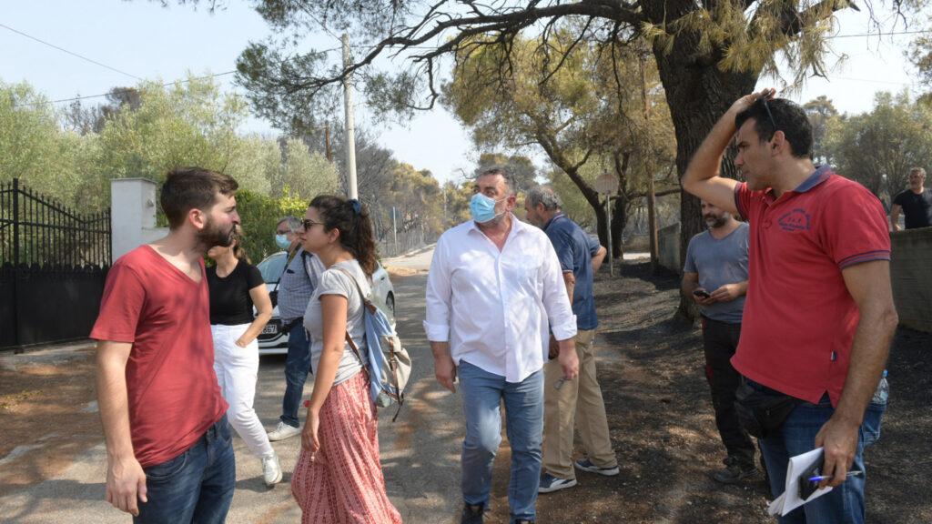 Κλιμάκια του ΚΚΕ στις πληγείσες περιοχές / Πυρκαγιά στην Βαρυμπόμπη, επόμενη ημέρα, Τετάρτη 4 Αυγούστου 2021